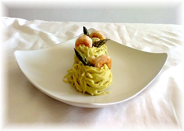 Tagliolini con asparagi e mazzancolle