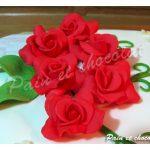 Rose in cioccolato plastico