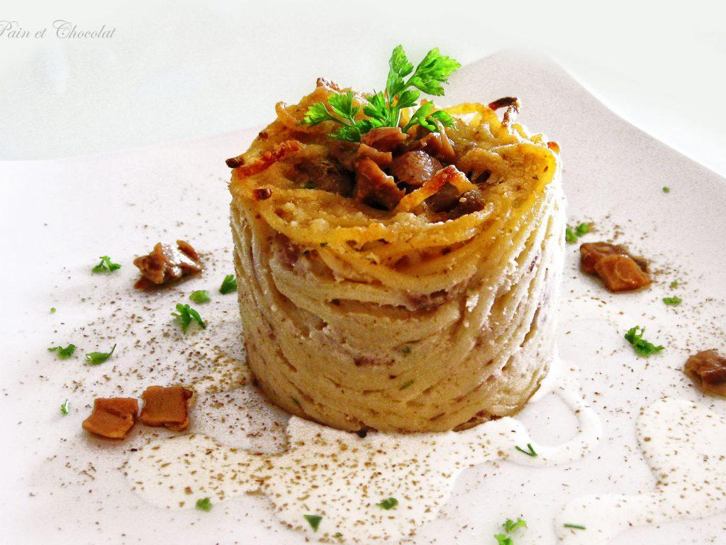 Sformatini di spaghetti di Gragnano con salsiccia e porcini