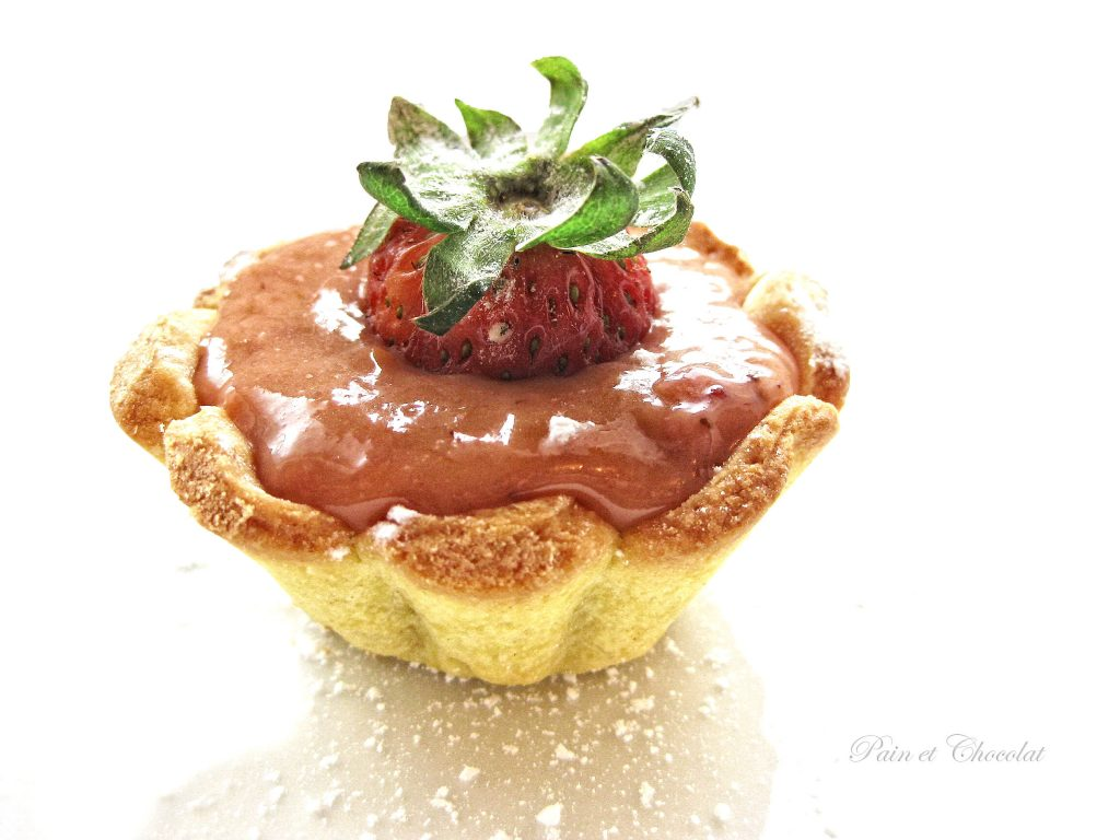 Tartellette allo Strawberry curd