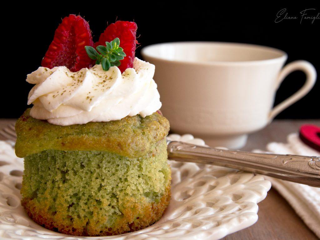 Muffins al tè Matcha e lamponi