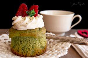 foto Muffins al tè Matcha e lamponi