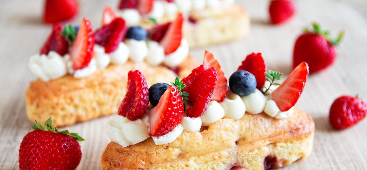 Petits gâteaux aux fraises
