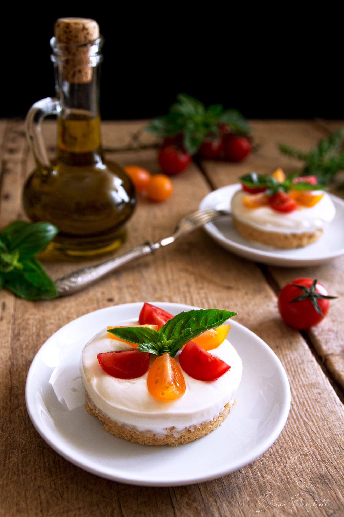 Cheesecake salata con ricotta e pomodorini